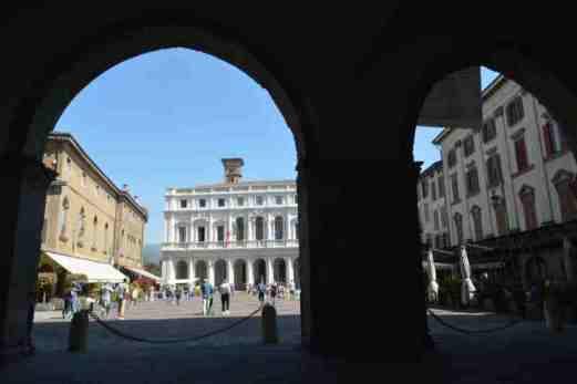 Bergamo Italy in one day - Piazza Vecchia