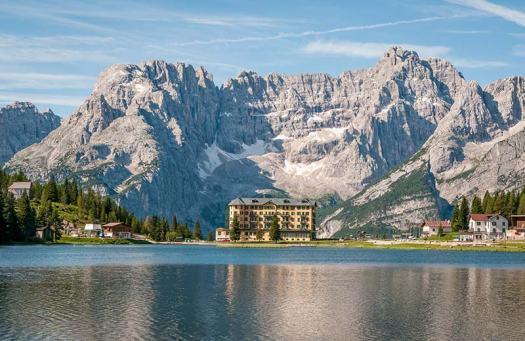 Visit the Dolomites - lago di Misurina