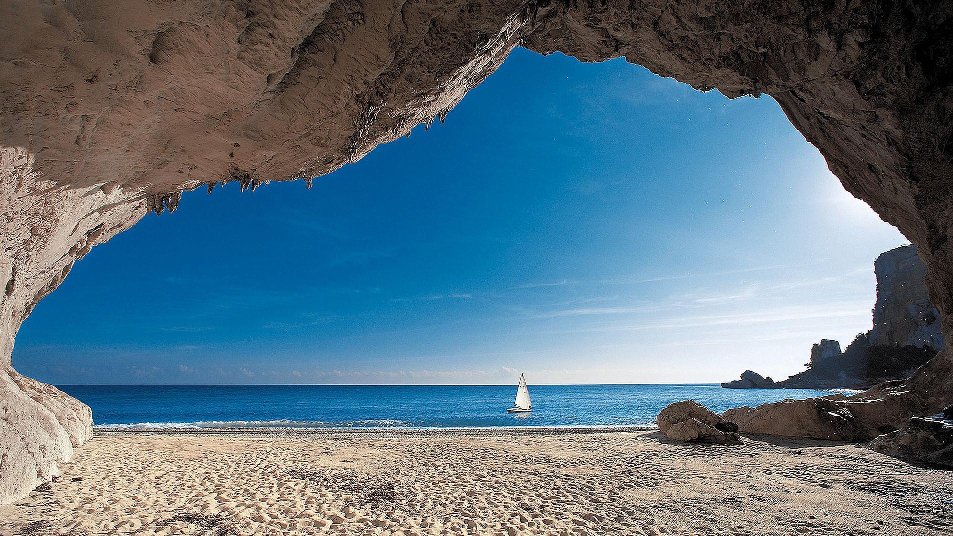 Best beaches in Italy_Cala Luna (Golfo di Orosei), Nuoro - Sardegna