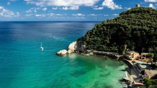Best beaches of Italy_Baia dei Saraceni, Finale Ligure - Liguria