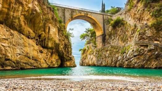 Best beaches of Italy_Il fiordo di Furore, Amalfi – Campania