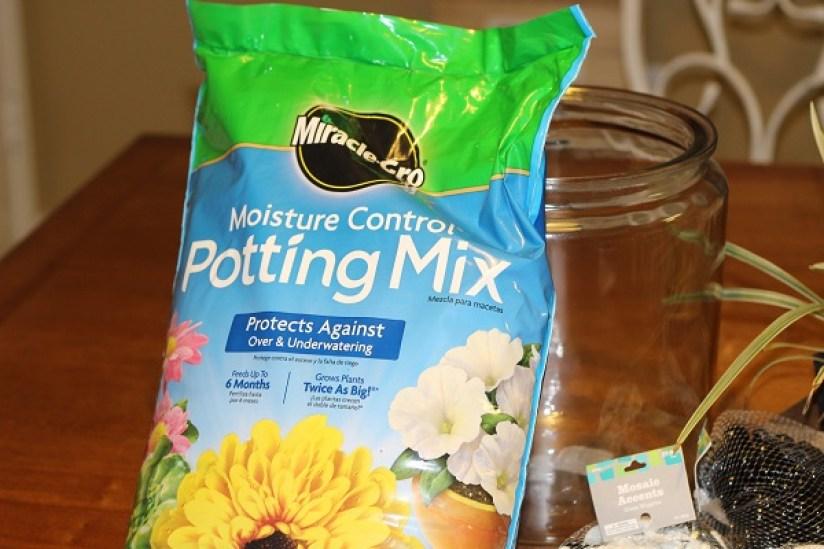 miracle-gro-potting-soil