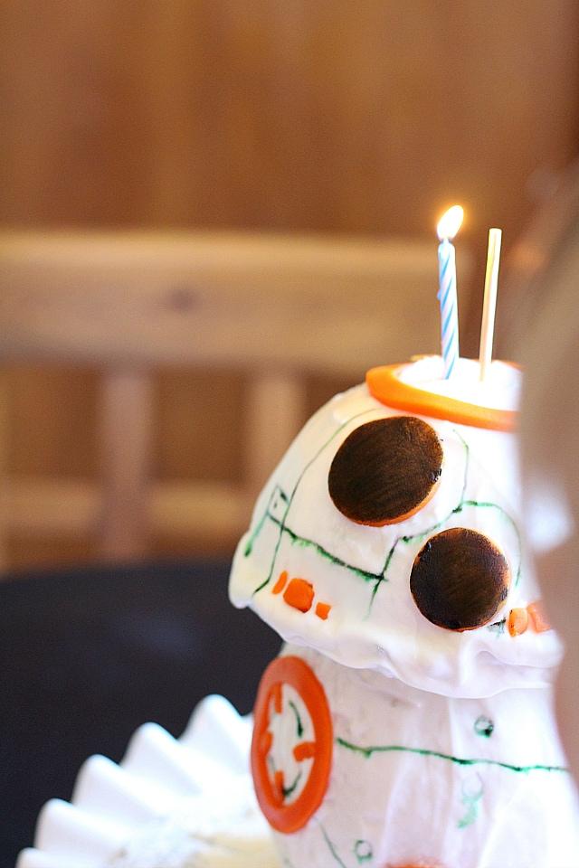 BB-8 Droid Star Wars Cake
