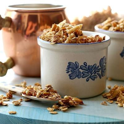 Honey Granola Recipe (Two Ways) Into No-Bake Granola Bars