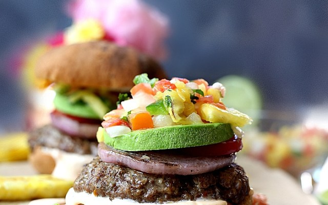 Juicy Grilled Hamburgers With Pineapple Salsa and Spicy Aioli