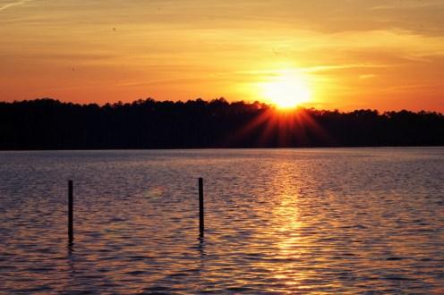 delightinginhim-stillwaters-sunbeams