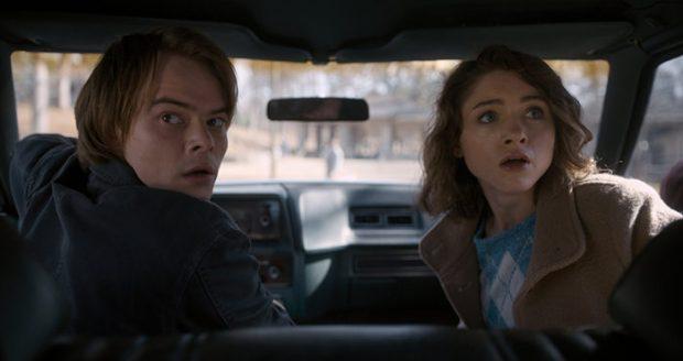 Nancy (Natalia Dyer) e Jonathan (Charlie Heaton)