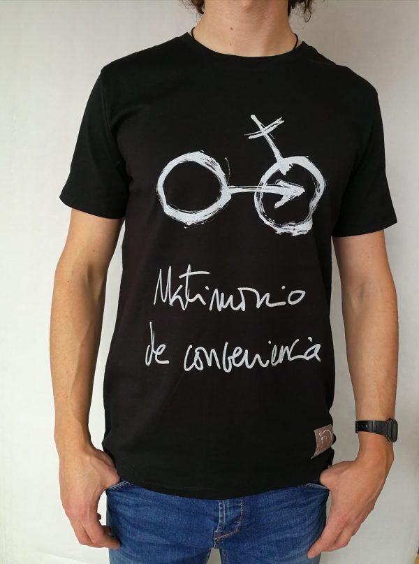 Camiseta Matrimonio de conveniencia color negro hombre