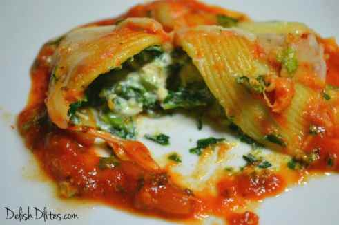 Chicken, Ricotta and Spinach Stuffed Shells | Delish D'Lites