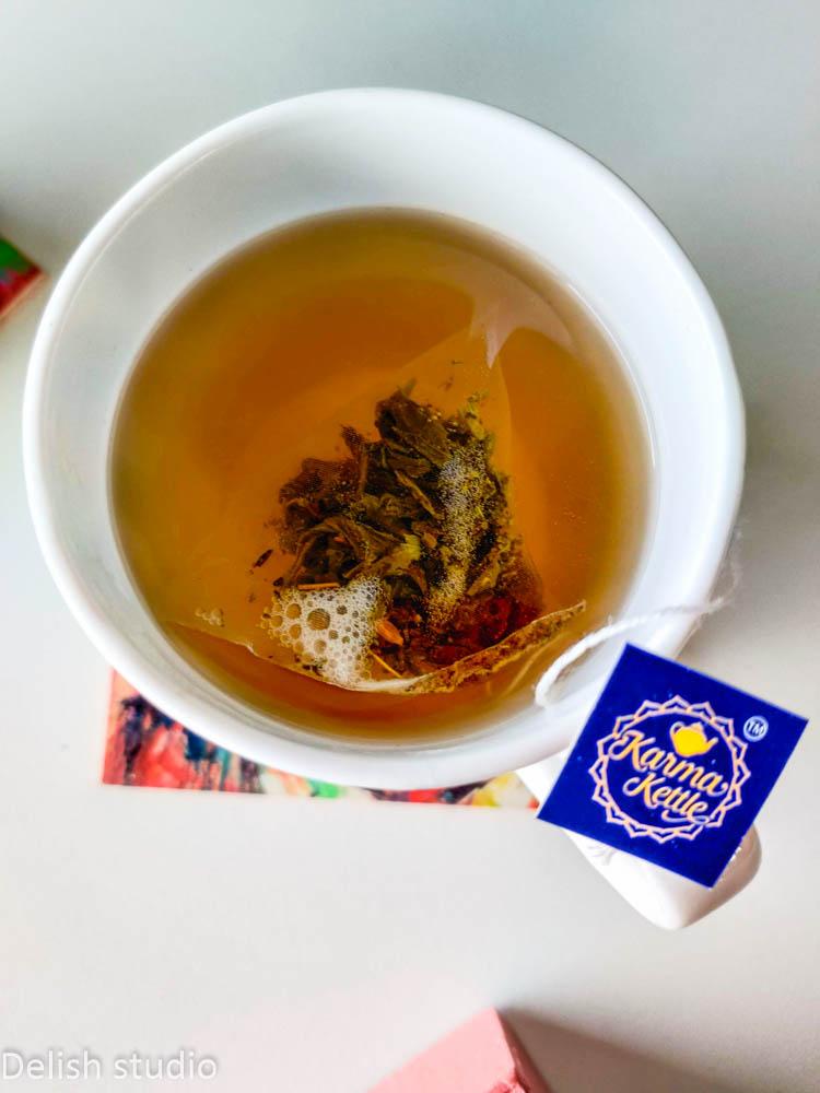 Freshly brewed aam salaam tea in a cup