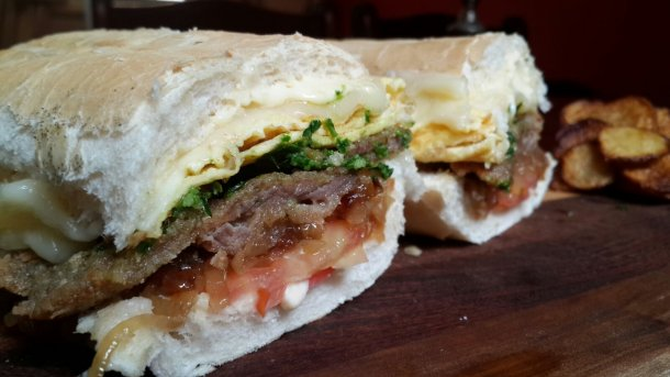 Sandwich-de-milanesa-completo-02-Rotiseria-La-nueva-Delivery-Olavarria