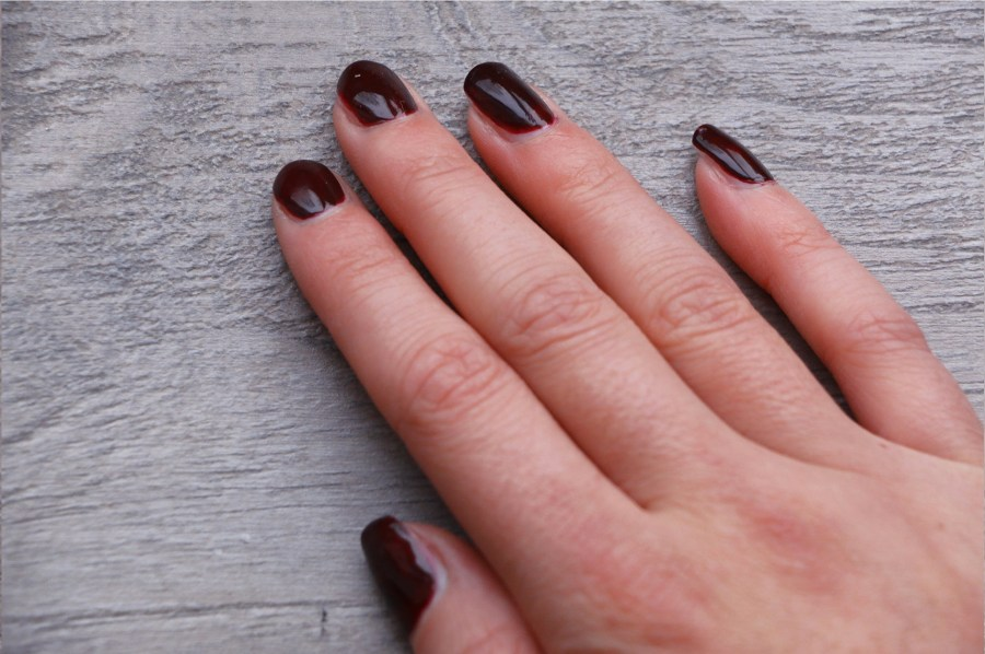 REVIEW - ESSIE GEL COUTURE dellero