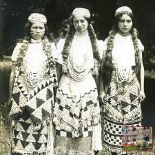 Tolowa girls-cropped