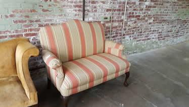 Delongs Furniture Pre Owned Living Room Furniture