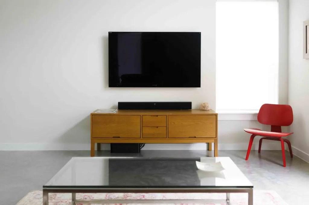 meuble tv en bois massif contemporain