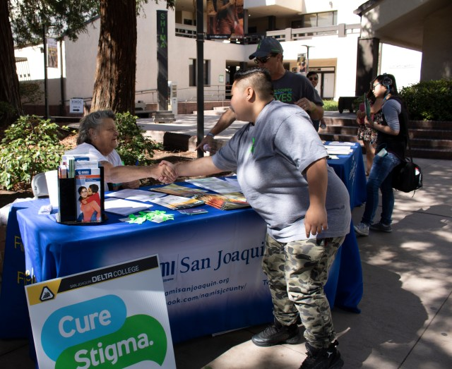 NAMI San Joaquin club welcomes students to get information regarding mental health. PHOTO BY VIVIENNE AGUILAR