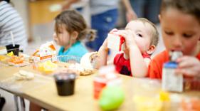 healthy cafeteria food