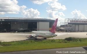 delta cancer support pink plane atl atlanta delta points blog