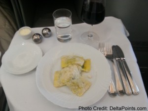 Alitalia Magnifica Class Business seat review delta points blog (13)
