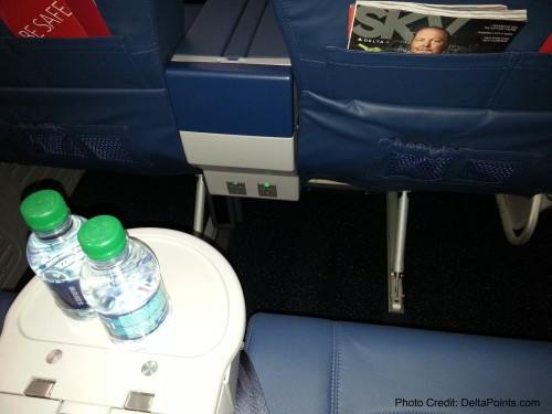 Delta Air Lines 737-900ER photos delta points travel blog (16)