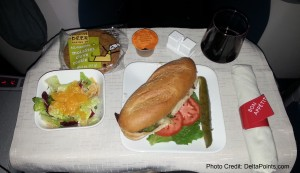 steak sandwich 1st class delta transcon atl-lax Mileage Run Delta Points travel blog rene MKE to LAX (6)