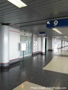 AA Admirals club ORD terminal-3 (1)