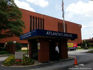 main entrance to Delta CORP ATL delta points blog (2)