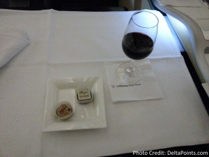 Lufthansa 1st class munich to Toronto A330 DeltaPoints blog review (14)