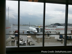 united 737 yyz airport delta points blog