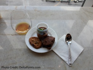 Centurion Lounge LGA LaGuardia Airport american express delta points blog dessert