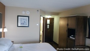 Four Points by Sheraton Minneapolis Airport king room (1)