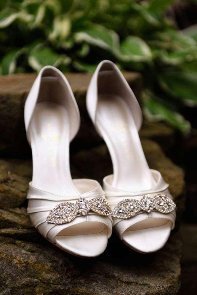Akron Copyright Genevieve Nisly Photography Firestone Country Club Ohio Summer Wedding