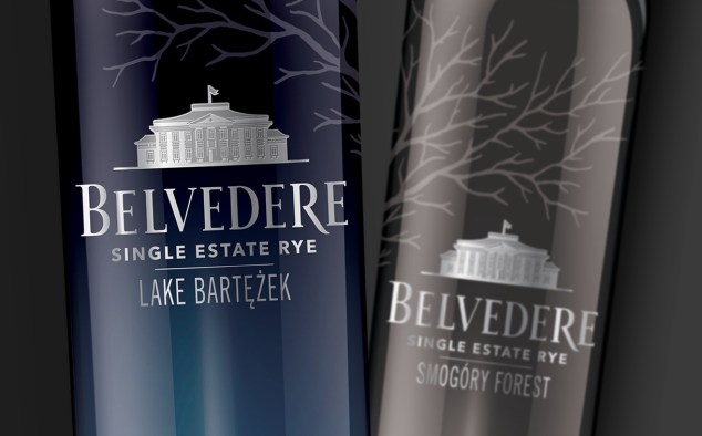 Bottle-Shot-Bartezek-Lake