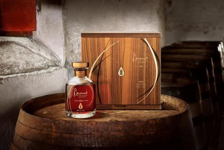 benromach-distillery-presenta-un-whisky-del-69-03