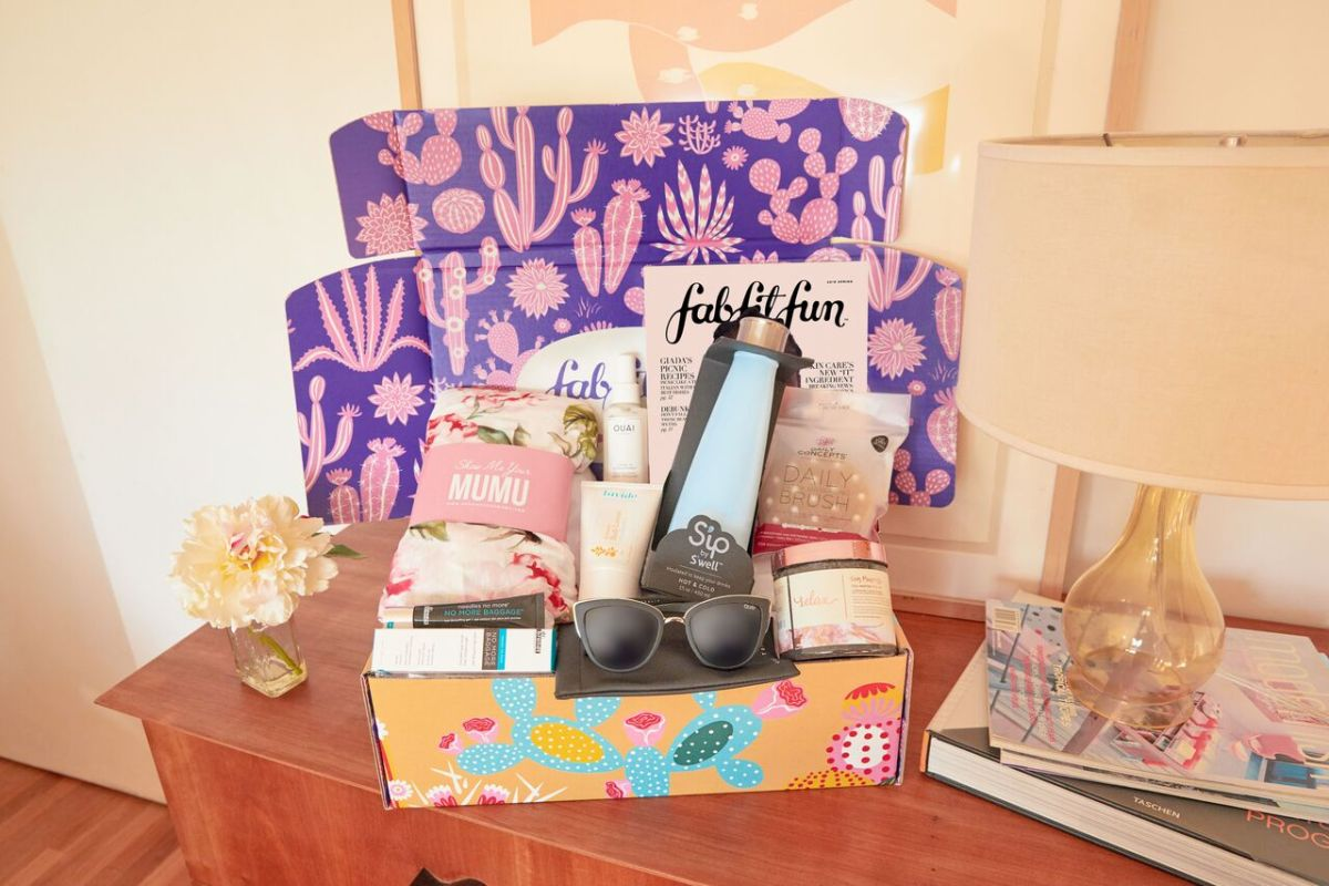 DeluxHair - FabfitFun Spring Box for 2019