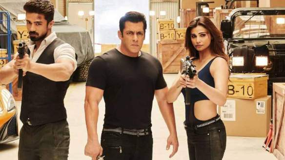 Movie Review: Race 3. Saqib Saleem, Salman Khan and Daisy Shah.
