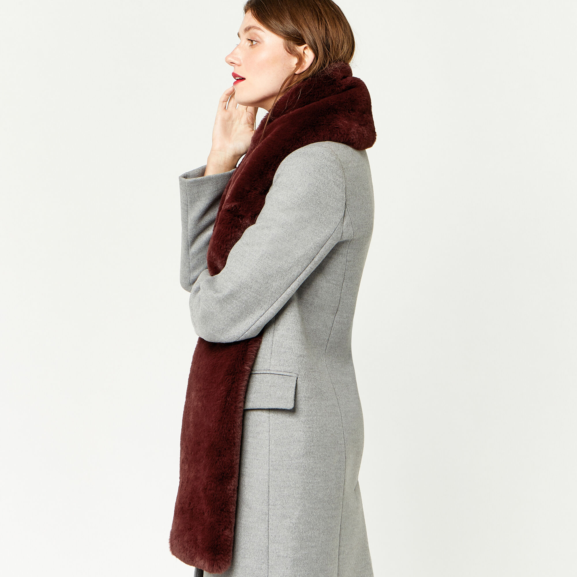 Warehouse, FAUX FUR SCARF Berry 1