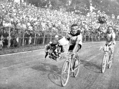 1931-il-vincitore-in-trionf