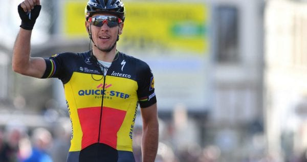 Gilbert gana la primera etapa de los tres dias de la panne