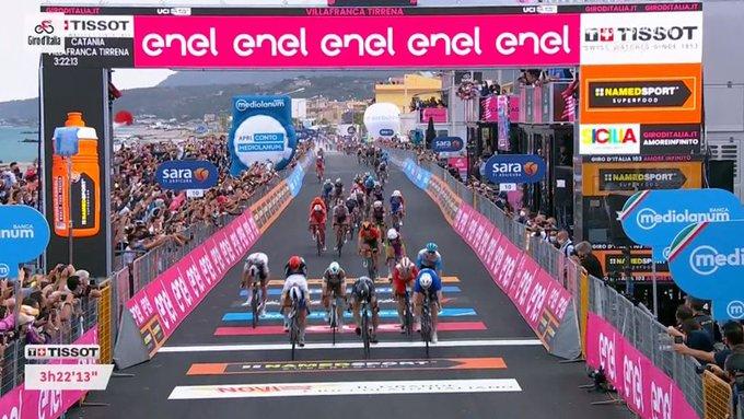 Arnaud Demare gana la cuarta etapa del Giro de Italia