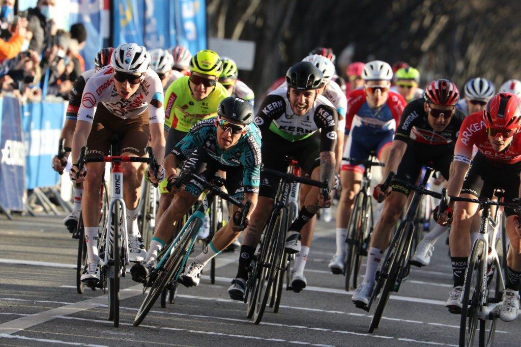 Aurelien Paret Peintre ganando el GPCycliste la Marseillaise