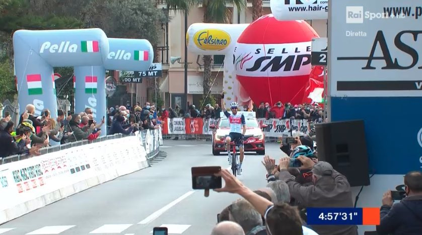 Bauke Mollema gana el Trofeo Laigueglia 2021