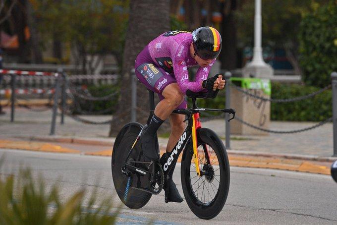 Van Aert gana la 7 etapa de la Tirreno - Adriático