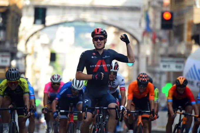 Ethan Hayter gana la tercera etapa de la Semana Coppi y Bartali