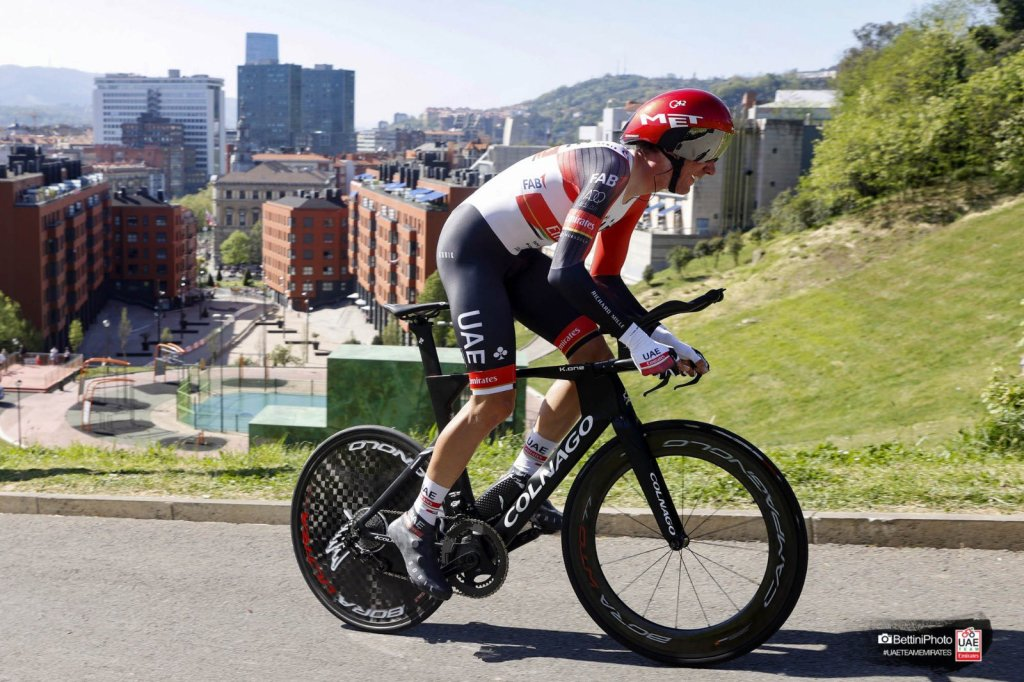 Tadej Pogacar en la crono de la Vuelta al País Vasco