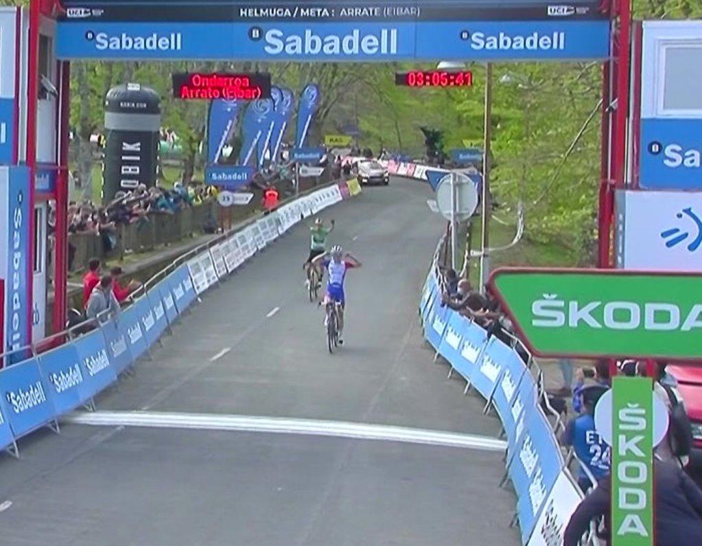 David Gaudu gana la sexta etapa de la Vuelta al País Vasco