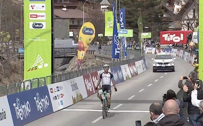 Simon Yates gana la segunda etapa del Tour de los Alpes
