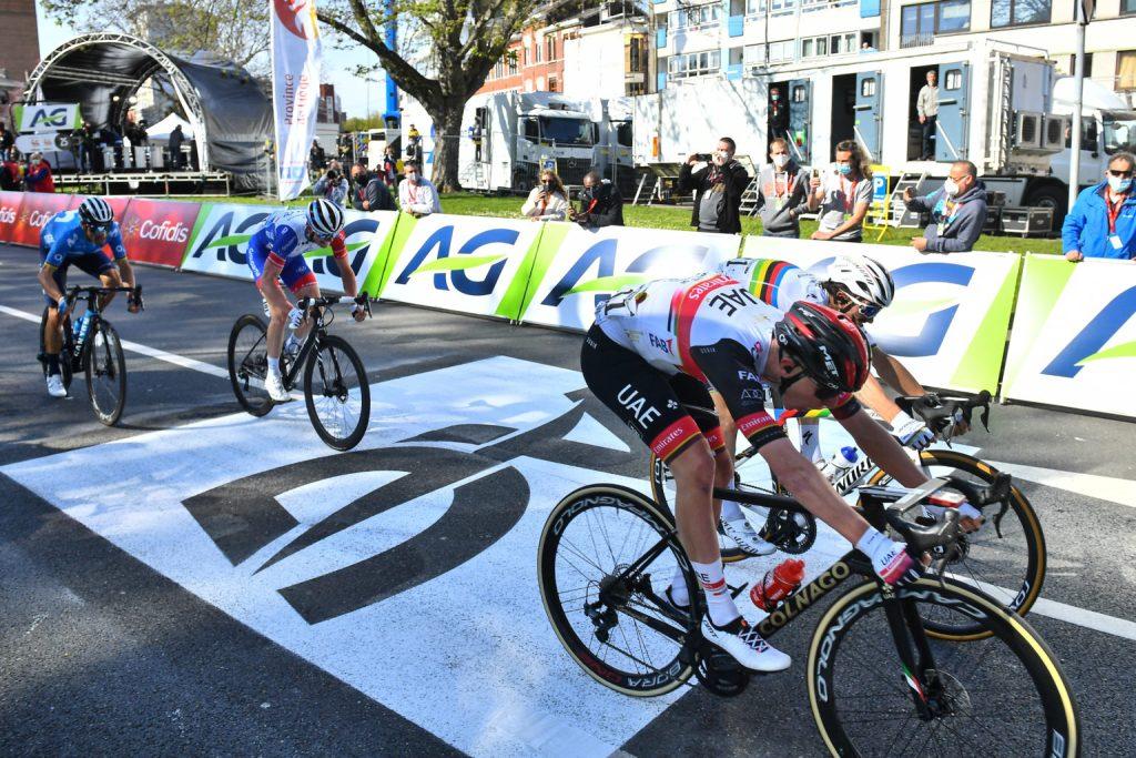 Alejandro Valverde en el sprint de Lieja - Bastogne - Lieja