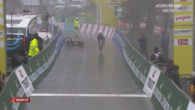 Michael Woods gana la cuarta etapa del Tour de Romandía