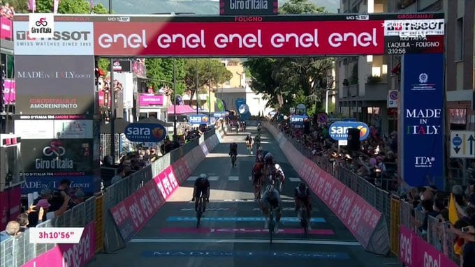 Peter Sagan gana la 10ª etapa del Giro de Italia